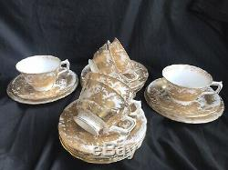 6 X Royal Crown Derby Aves Gold. Tea cup, saucer & Side plate