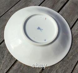 Meissen 24K Gold Leaf Encrusted White Porcelain Cup & Saucer Set Germany 3h