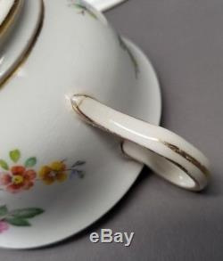 ROYAL CHELSEA Bone China Gold CUP SAUCER PLATE TRIO SET FLORAL ROSE BOUQUET