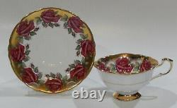 Very Rare PARAGON JOHNSON RED ROSE GARLAND Cup & Saucer Heavy Gold Gilding